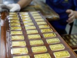 NHNN can thiệp, vàng trong nước cao hơn thế giới 3 triệu đồng/lượng