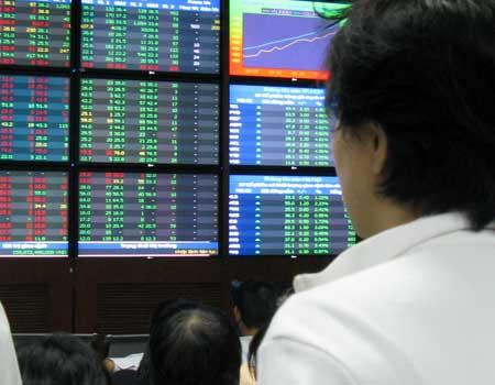 GAS tăng hơn 3%, kéo VN-Index hồi phục