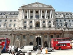 BOE kêu gọi các ngân hàng Anh tăng vốn phòng khủng hoảng