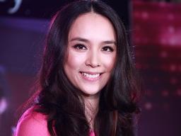 Á hậu Dương Trương Thiên Lý sở hữu 14,76 triệu cổ phần ngân hàng Nam Á