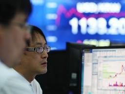 Nhà đầu tư nước ngoài bán tháo chứng khoán Hàn Quốc