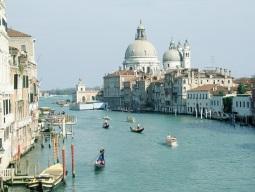 Italia thanh toán 40 tỷ euro nợ cho các công ty tư nhân