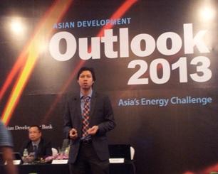 ADB: Rủi ro kinh tế Việt Nam xoay quanh hệ thống ngân hàng và quy mô nợ xấu