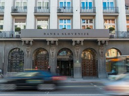 OECD: Slovenia đang đối mặt với khủng hoảng ngân hàng trầm trọng