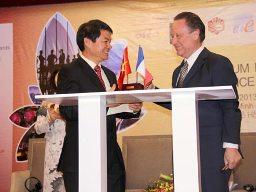 Trường Hải ký kết hợp tác với Peugeot