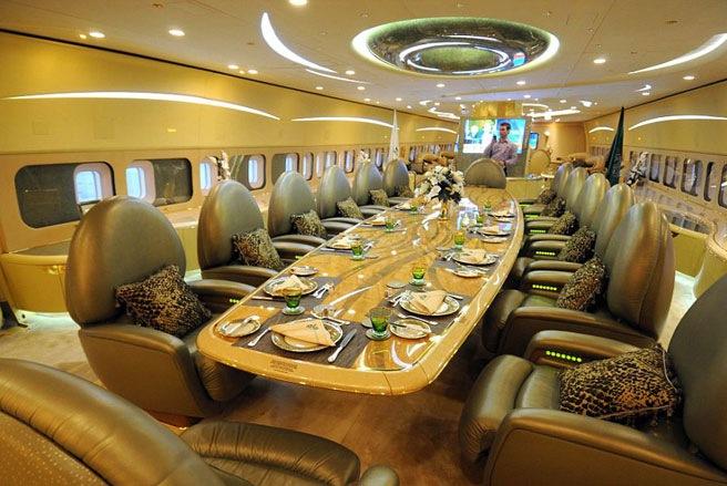 Nội thất xa xỉ trên máy bay của giới siêu giàu