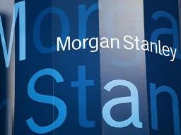 Morgan Stanley tiếp tục hạ dự báo giá vàng