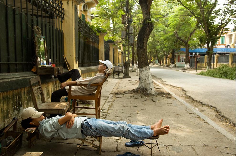 Boston Globe: Giấc trưa của anh thợ cắt tóc Việt