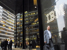 IBM có thể bán một phần dây chuyền máy chủ cho Lenovo