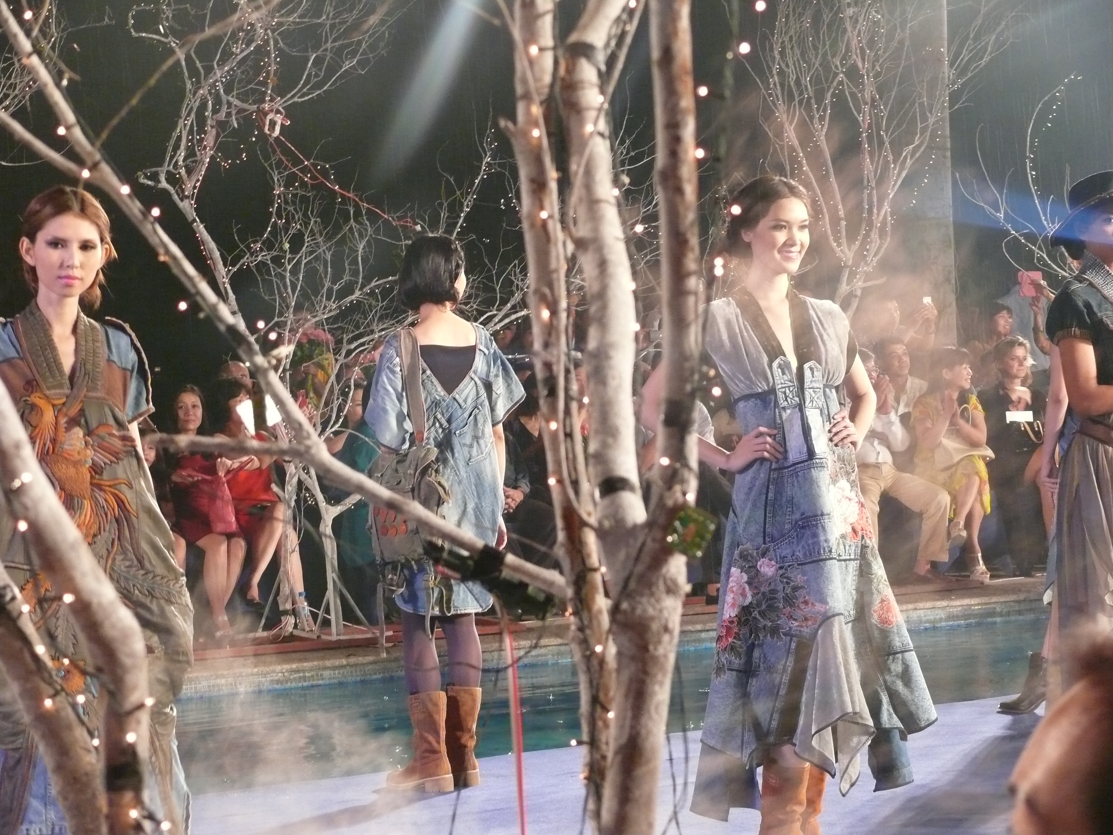 Tuần lễ thời trang Việt 2013: Quảng bá đại chúng kém?