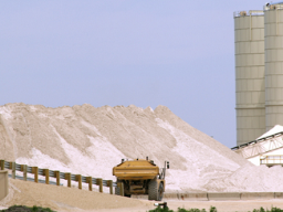 Công nghiệp Khoáng sản Bình Thuận tiếp tục hoãn trả cổ tức 2011 lần 4