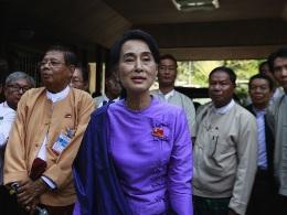 EU chính thức dỡ lệnh cấm vận Myanmar