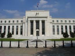 Tài sản của Fed lần đầu tiên vượt 3.300 tỷ USD