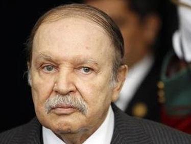 Tổng thống Algeria nhập viện