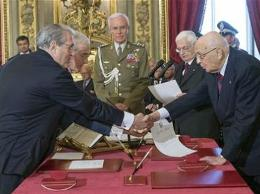 Italia tiến hành bỏ phiếu bất tín nhiệm chính phủ mới