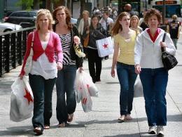 Niềm tin tiêu dùng toàn cầu được cải thiện