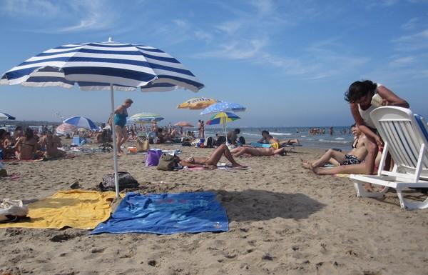 Những thành phố có bãi biển rực rỡ