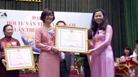 PwC Việt Nam nhận bằng khen của Thủ Tướng Chính Phủ