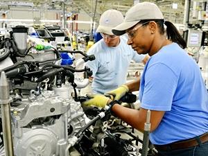 Ủy ban Giám sát Tài chính khuyến nghị tập trung cho mục tiêu tăng trưởng GDP