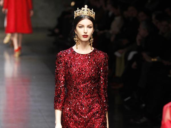 Váy Dolce & Gabbana đắt nhất thế giới trị giá 32.000 bảng Anh