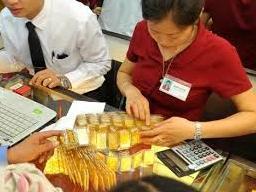 NHNN: Giá vàng chênh lệch với thế giới do cung cầu vẫn chưa cân bằng