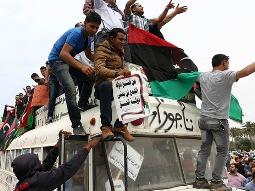 Phiến quân Libya bao vây, đòi chính phủ từ chức