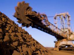 Rio Tinto đầu tư 5 tỷ USD mở rộng khai thác quặng sắt tại Australia