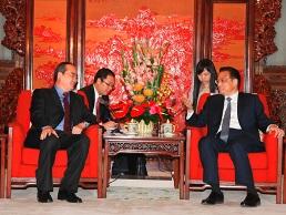 Phó Thủ tướng Nguyễn Thiện Nhân hội kiến Thủ tướng Trung Quốc Lý Khắc Cường
