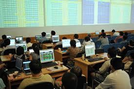 VN-Index lên 490 điểm, HSG tăng mạnh sau công bố lợi nhuận 7 tháng
