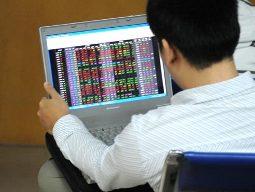 Chờ Chính phủ cho phép phát hành cổ phiếu dưới mệnh giá