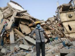 Hàng trăm nhà máy dệt may ở Bangladesh bị đóng cửa vô thời hạn