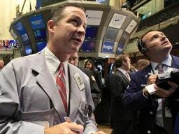 S&P 500 lập kỷ lục khi nhà đầu tư lạc quan về kinh tế Mỹ