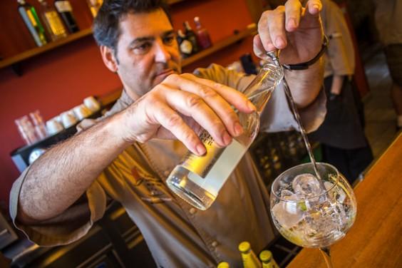 Gin - 1 xu thì say, 2 xu thì chết vì say