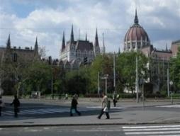Khủng hoảng kinh tế lan sang Trung và Đông Âu