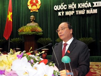Phó Thủ tướng Nguyễn Xuân Phúc: Mặt bằng lãi suất giảm khoảng 2-3% so với cuối 2012