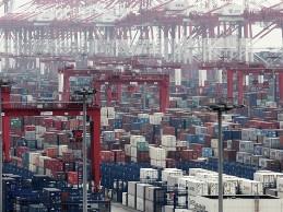 Thặng dư thương mại Trung Quốc chỉ bằng 1/10 báo cáo
