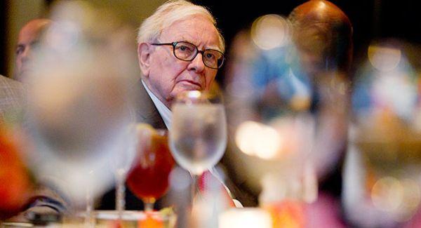 Ăn trưa với Warren Buffett: Cái giá phải trả đắt nhất thế giới