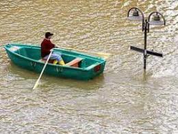 Trung Âu báo động vì lũ lụt lớn