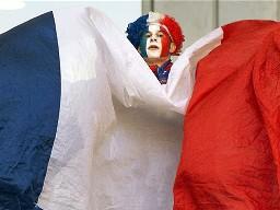 Pháp có nguy cơ tụt hậu so với Hy Lạp nếu không cải cách