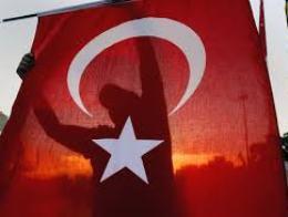 Cảnh sát Thổ Nhĩ Kỳ đụng độ người biểu tình ở quảng trưởng Taksim