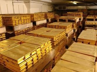Giá vàng lên trên 1.390 USD/oz do chứng khoán giảm