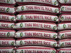 Thái Lan gia hạn mua lúa gạo tạm trữ giá cao