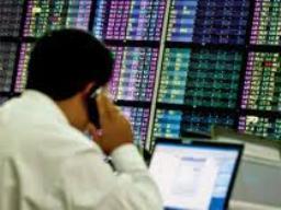 VN-Index tăng 0,9%, thanh khoản xuống thấp nhất 1 tháng