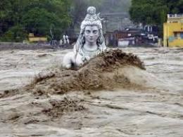 Lũ lụt lớn nhất 90 năm càn quét Ấn Độ, hơn 130 người thiệt mạng