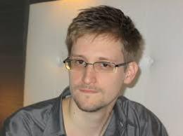 Cựu nhân viên CIA xin tị nạn ở Iceland