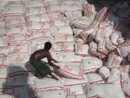 Xuất khẩu gạo của Thái Lan có thể tăng nhờ giảm giá mua tạm trữ