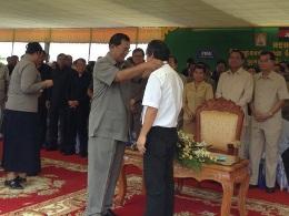 Chủ tịch HAGL Đoàn Nguyên Đức được Campuchia trao Huân chương Công trạng hạng nhất