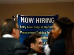 Thất nghiệp Mỹ bất ngờ tăng cao hơn dự báo