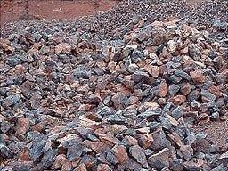 Giá quặng sắt phục hồi nhờ dự trữ tại Trung Quốc thấp