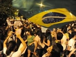 Làn sóng biểu tình tiếp tục bùng phát dữ dội trên khắp Brazil
